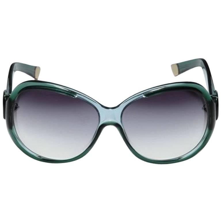 New Balenciaga Emerald Green Reflective Sunglasses With Case In New Condition For Sale In Leesburg, VA