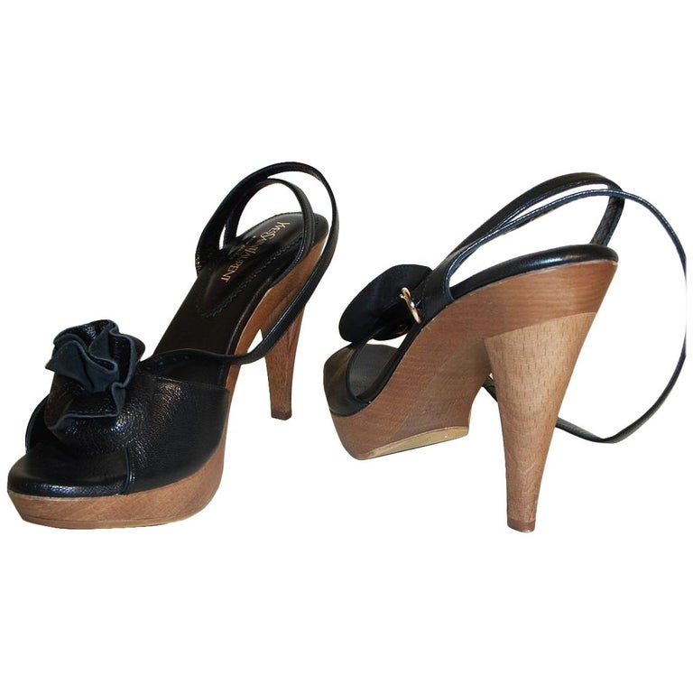 New Tom Ford for YSL Yves Saint Laurent Nadja Rosette Black Heels Pumps Sz 40 In New Condition For Sale In Leesburg, VA