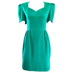 Vintage Carolina Herrera Size 6 1980s Kelly Green Strong Shoulder Silk 80s Dress