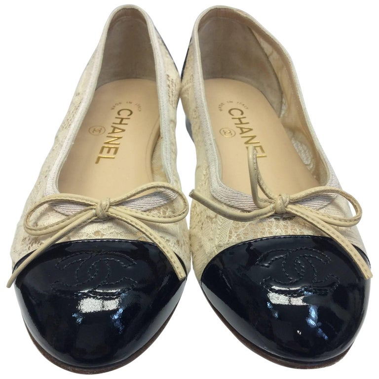 Chanel Cream Lace Flats For Sale
