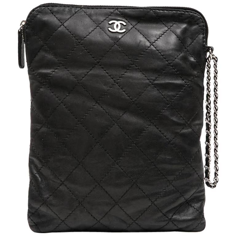 CHANEL Case for iPad in Black Soft Quilted Lambskin Leather For Sale