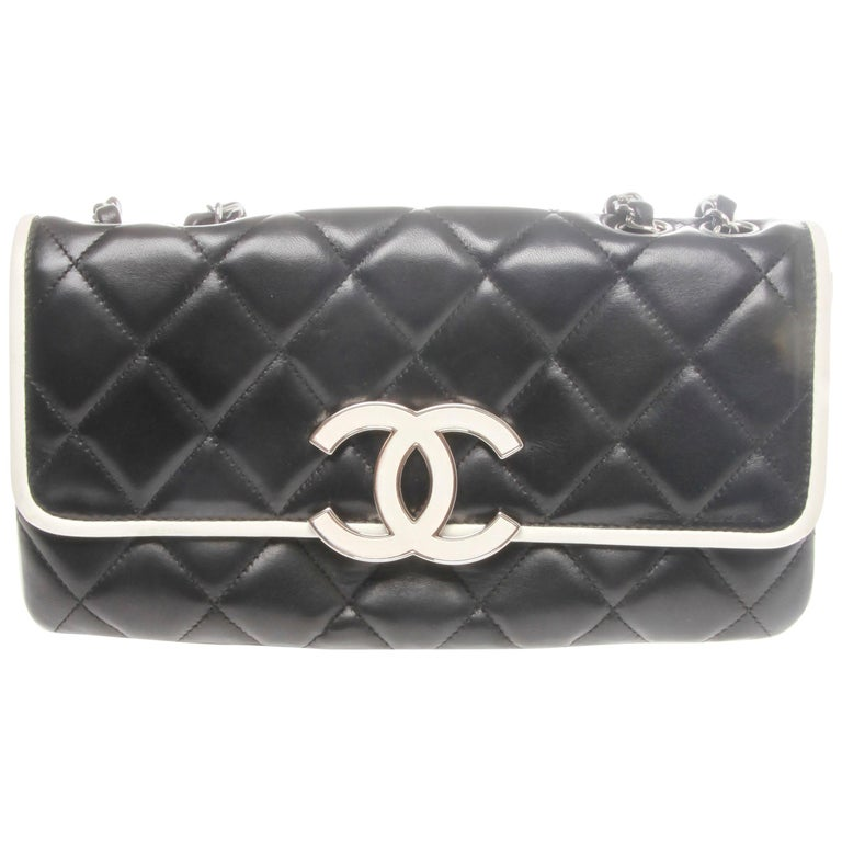 Chanel Caviar Lambskin Quilted Leather Handbag