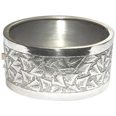 Antique Victorian Silver Tone Engraved Ivy Leaf Bangle