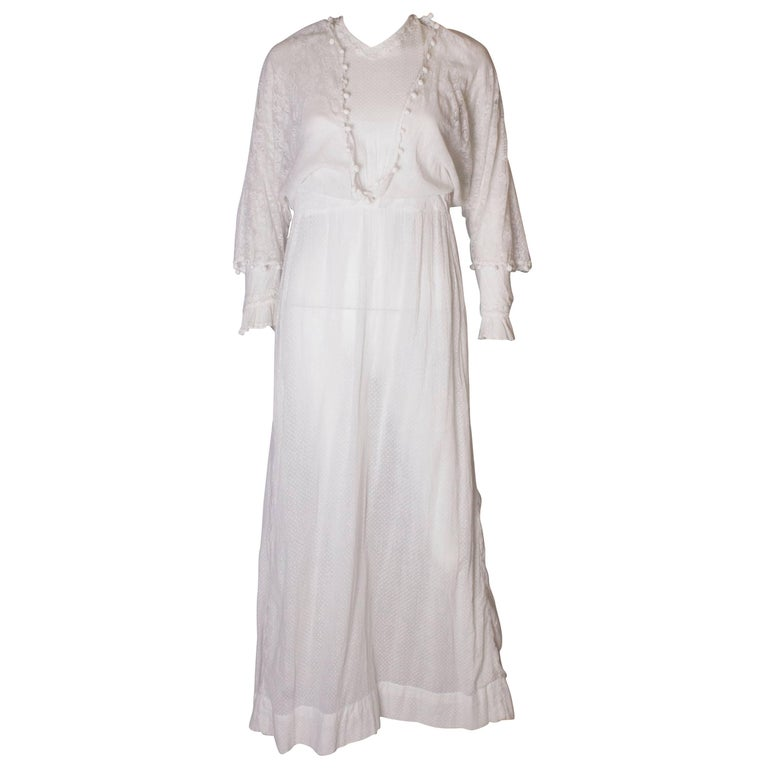 301ce94afc A vintage Edwardian white cotton lawn dress with lace detail For Sale