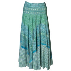 A Vintage 1970s floral printed Cotton Boho summer day Skirt