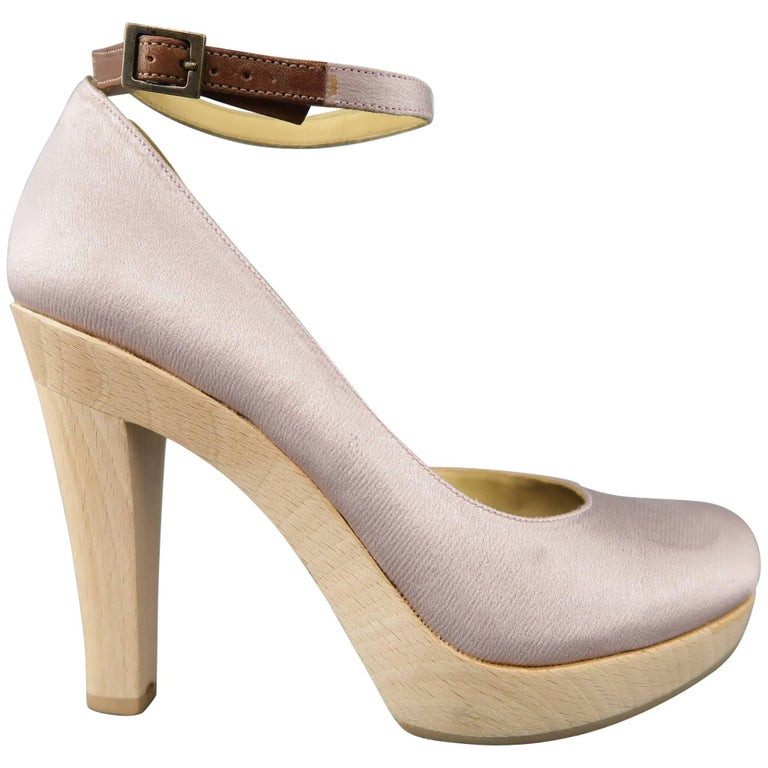 ee81598c863 LANVIN Size 6 Lavender Satin Fabric Wooden Platform Pumps For Sale at  1stdibs