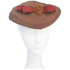 1940s Twill Gold-toned Hat with Rust-toned Gros-grain Ribbon and Bakelite Clip