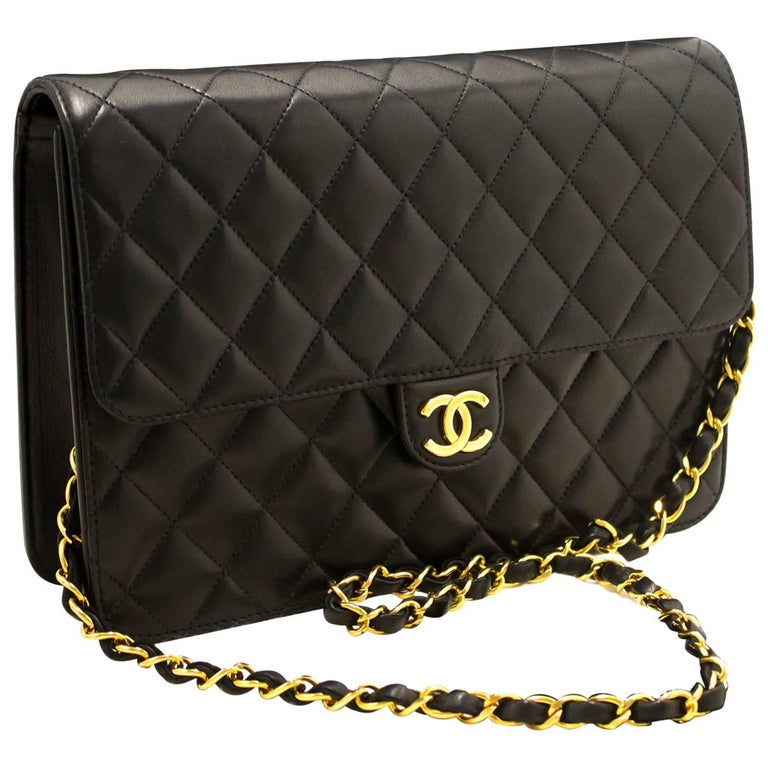 2dc278e604dd CHANEL Chain Shoulder Bag Clutch Black Quilted Flap Lambskin Purse For Sale  at 1stdibs