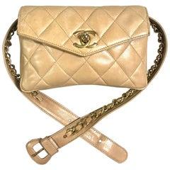 Vintage CHANEL beige lamb waist bag, fanny pack with golden chain belt & CC.
