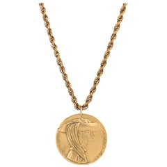 ALVA MUSEUM REPLICAS c.1970's Gold Don Inigo d'Avalos Medallion Pendant Necklace