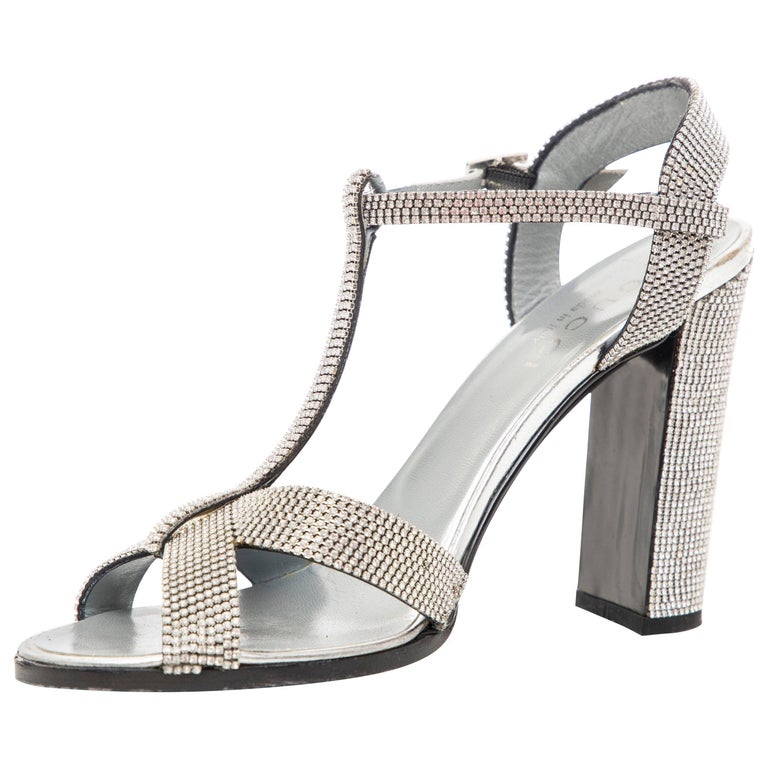 Tom Ford For Gucci Runway Metallic Silver Crystal T-Strap Sandals, Spring 2000 For Sale