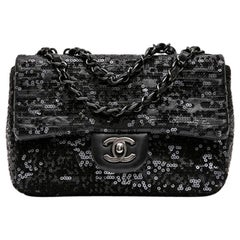 CHANEL Timeless Bag in Black Lambskin Leather and Sequin