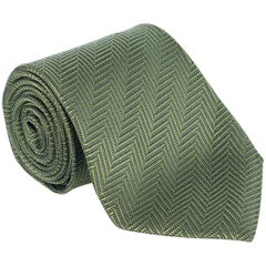 Italian luxury brand, Tom Ford, has crafted these gorgeous Knit and Silk Tie