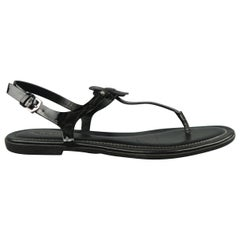 TOD'S Size 8 Black T- Strap Gomma Thong Sandals