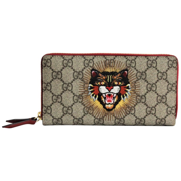 fc3451be73bd Gucci Wallet Angry Cat GG Supreme For Sale. '