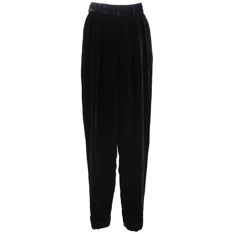DONNA KARAN Size 8 Black Velvet High Rise Pleated Dress Pants For Sale