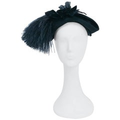 1950s Black Felt hat with Silk/Velvet Flower and Feather Accent
