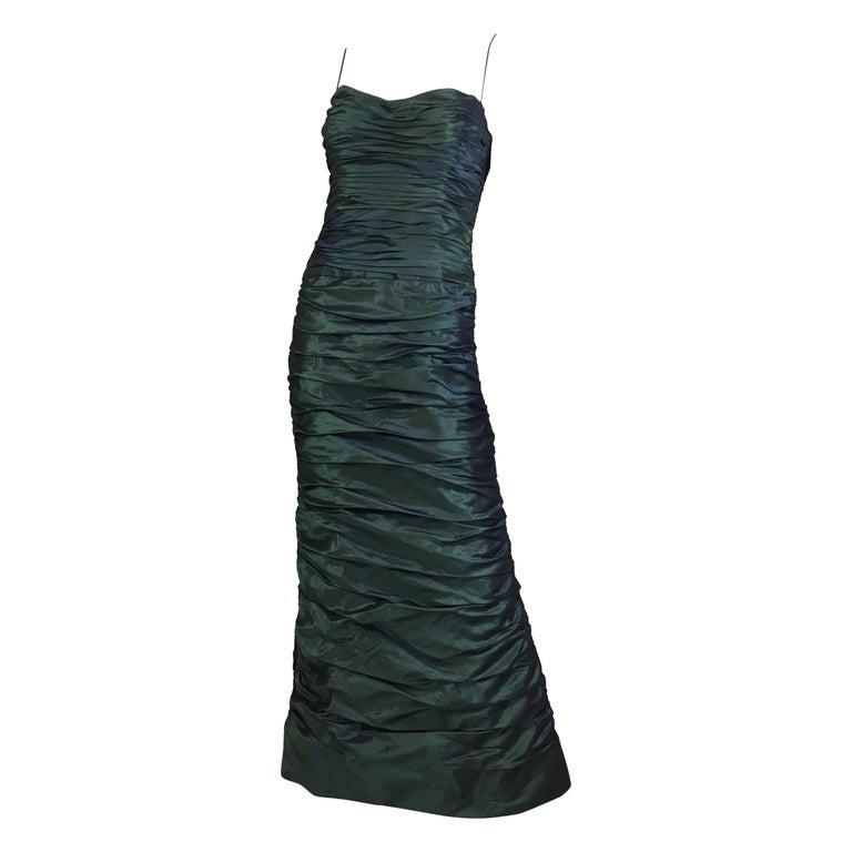 3bf9e39a0b181 Teri Jon Seiden Taft Gerafftes Kleid im Angebot bei 1stdibs