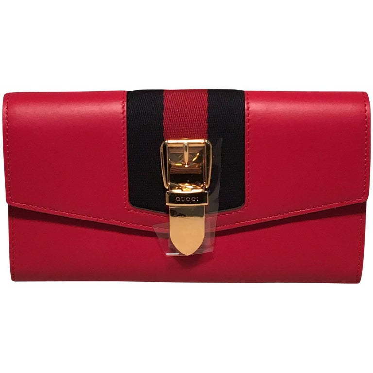 8102f3da57a0e4 Gucci Red Leather Long Sylvie Wallet For Sale at 1stdibs