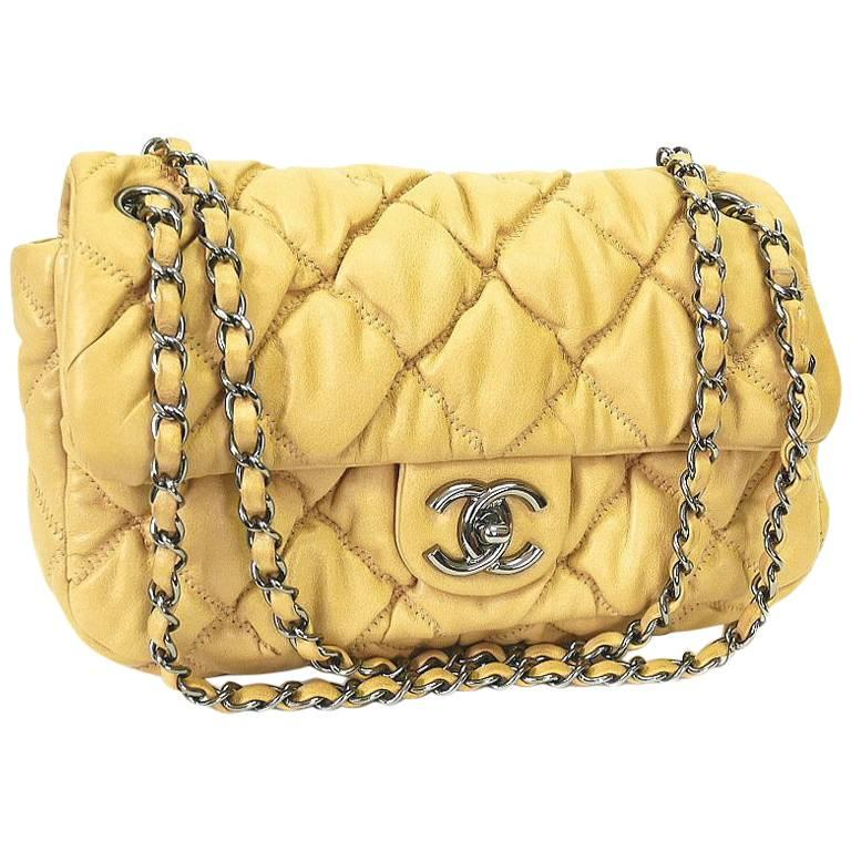 61d77c9bafb3 Chanel 2.55 Bubble Quilted Classic Chain Shoulder Bag Beige For Sale at  1stdibs