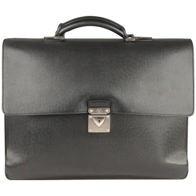 5b6c38708c40 LOUIS VUITTON Black Taiga Leather Robusto 2 Compartments Briefcase For Sale