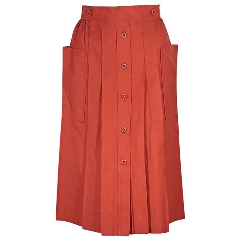 060d3fd1b7 Orange Vintage Gucci Pleated Skirt For Sale at 1stdibs