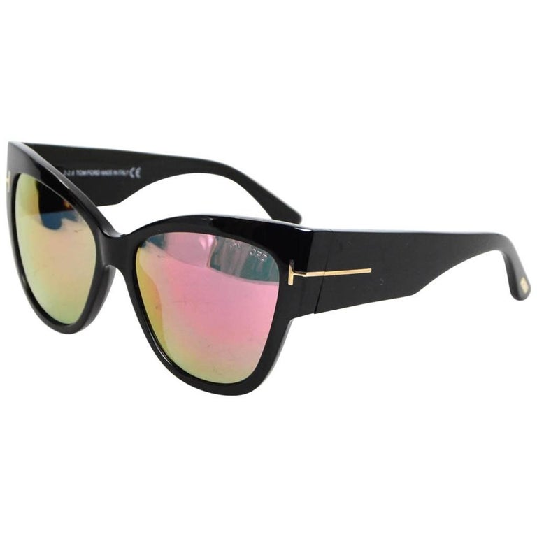 Tom Ford Black Anoushka Cat-Eye Mirrored Lens Sunglasses with Case rt. $445 For Sale