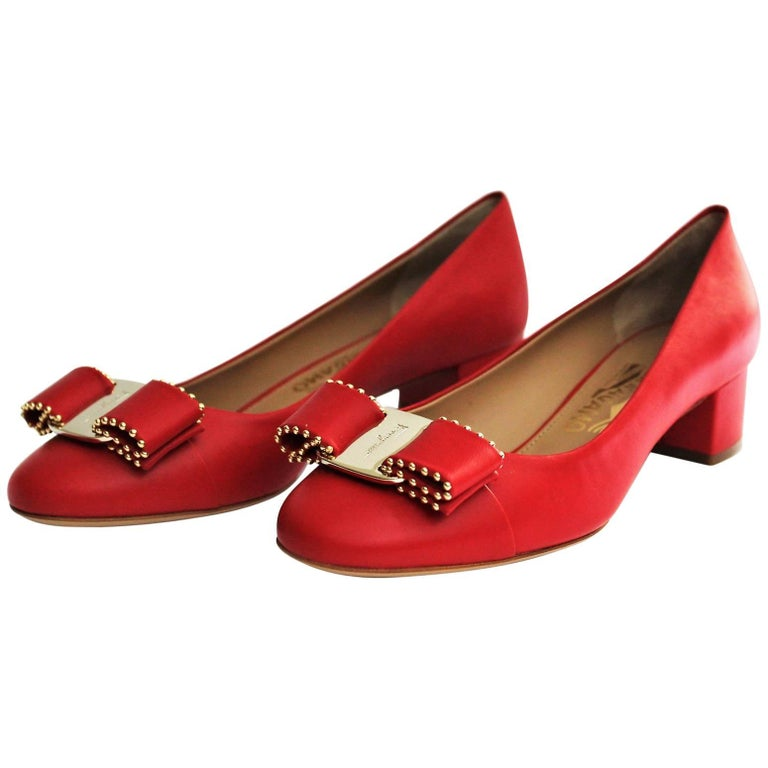 d56fe4bb822e Salvatore Ferragamo Red Shoes Vara Bow For Sale at 1stdibs