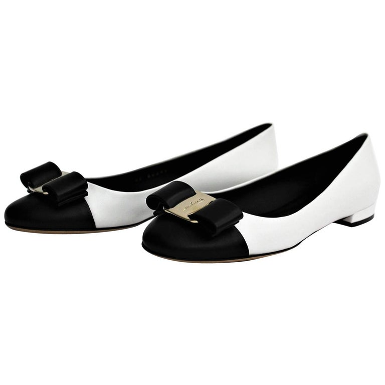 87c993412 Salvatore Ferragamo Black and White Shoes Vara Bow For Sale at 1stdibs