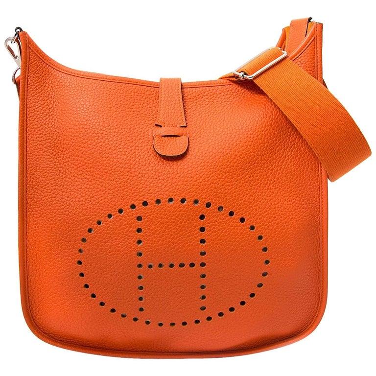 a84d0ac06d37 Hermes Evelyne III Feu Taurillon Clemence Shoulder Bag at 1stdibs