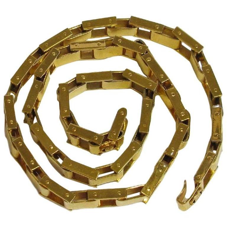 CHANEL Vintage Articulated Belt in Gilded Metal
