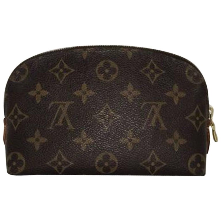 7e9b5bb9dc55 Louis Vuitton Monogram Pochette Cosmetic Case at 1stdibs