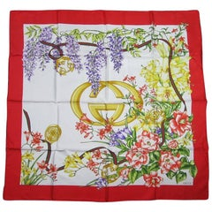 GUCCI Iconic Double GG Floral Silk Scarf Burst of Flowers Never worn