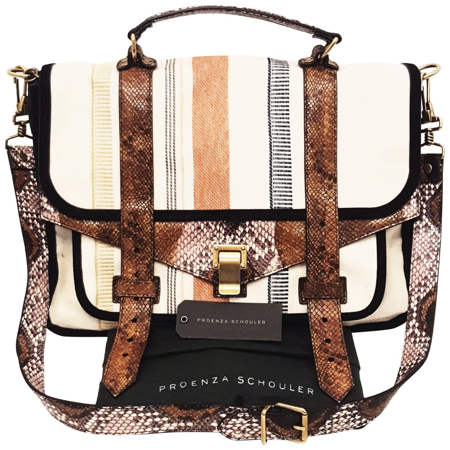 f1756e4211d23e Classic Collections - Fashion Shoulder Bags - 1stdibs
