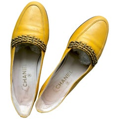 Vintage CHANEL soft yellow calfskin flat pump shoes with triple golden chains