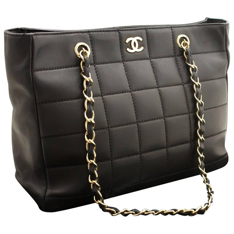 aaff7cbd4eca CHANEL Chocolate Bar Large Chain Shoulder Bag Black Quilted Lamb For Sale  at 1stdibs