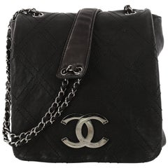 Chanel Diamond Stitch Messenger Quilted Calfskin Medium