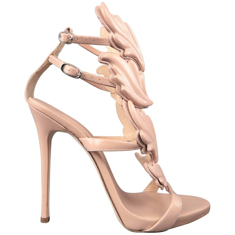 GIUSEPPE ZANOTTI Size 8 Beige Patent Leather COLINE Wings Sandals For Sale