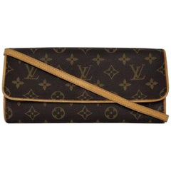 Louis Vuitton Monogram Pochette Twin GM Crossbody Handbag