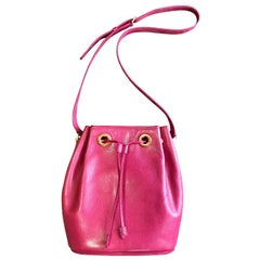 Vintage Valentino Garavani pink leather hobo bucket shoulder bag with round logo