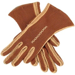Embroidered Rust Mesh Fabric Gloves With Apricot-Coloured Seams, 1930s/1940s