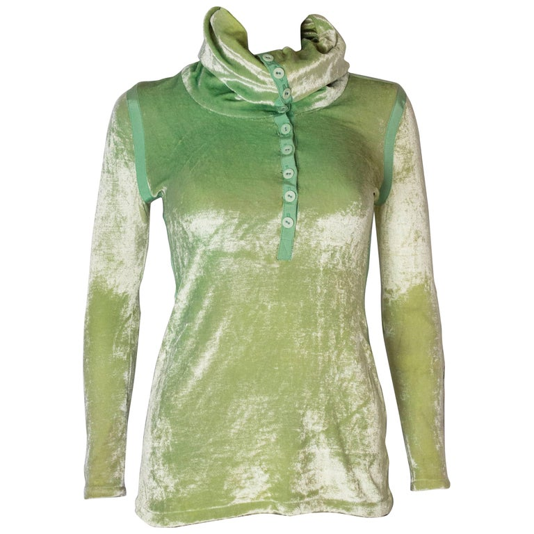 58a5054c54f A Vintage 1990s Green Silk Velvet Top For Sale at 1stdibs