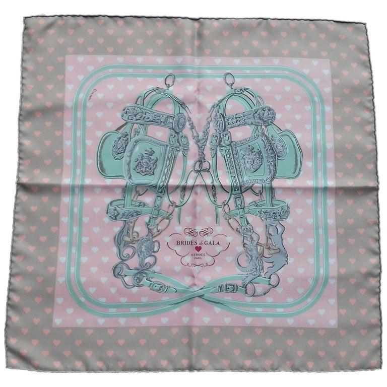 55ca76368b0 Hermès Scarf Gavroche Pocket Square Brides de Gala Love Beige Rose Vert 45  cm For Sale