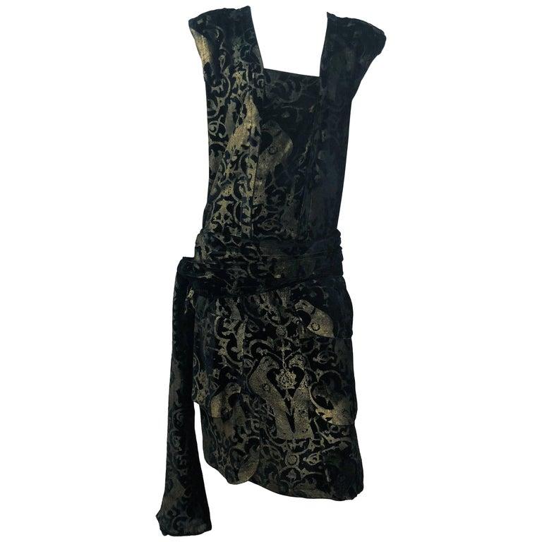 Maria Gallenga Black Silk Velvet Dress with Hand-Stenciled Novelty print, 1920s  For Sale