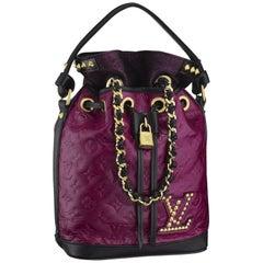 Louis Vuitton Ltd Ed Double Jeu Neo Noe cranberry bucket bag, Fall/Winter 2010