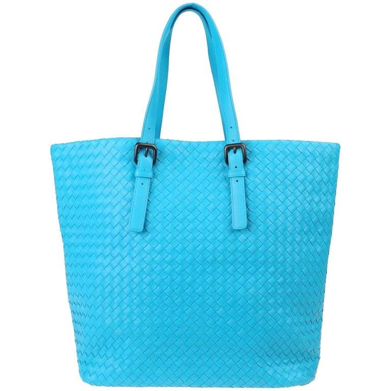 d5bbebb52423 Bottega Veneta Extra Large Turquoise Aqua Intrecciato Nappa Tote Bag and  Mirror For Sale at 1stdibs