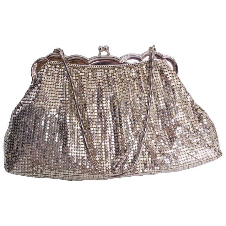 A Vintage 1930s Silver mesh metal evening bag by Whiting and Davis For Sale