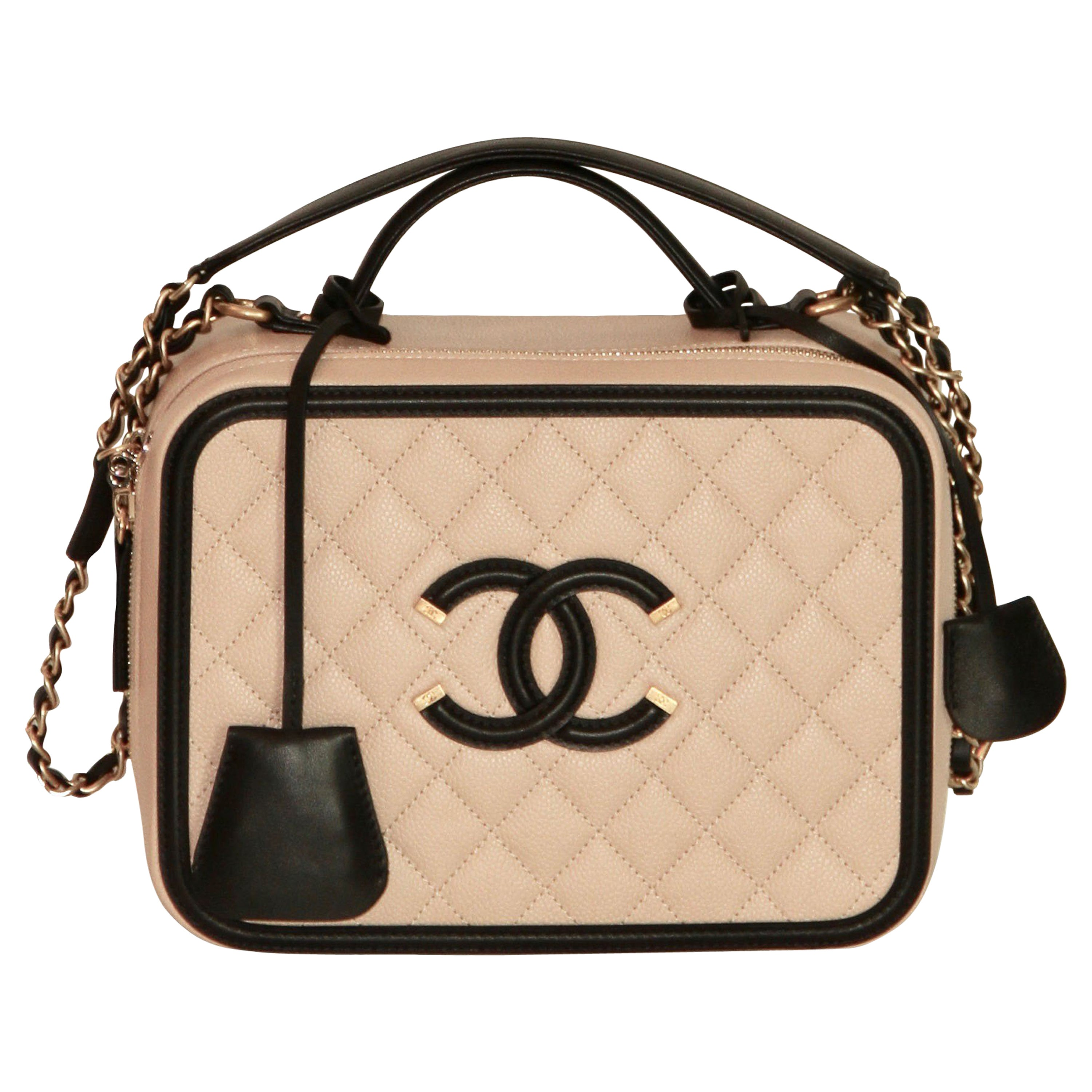 857becf54b1c CHANEL CC Filigree Vanity Case Nude   Black Grained Leather at 1stdibs