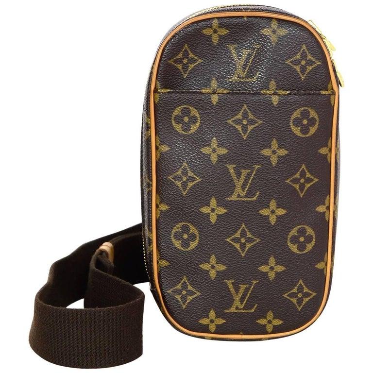 ac5329124bea Louis Vuitton Monogram Canvas Pochette Gange Body Bag with DB at 1stdibs