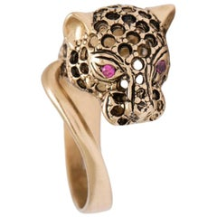 Puro Iosselliani iconic panther's head gold ring